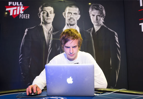 Blom and Tollerene Tangle at PLO Tables