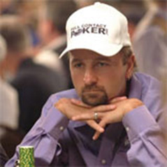 Daniel Negreanu practising for SuperStar Showdown