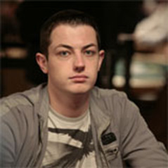 Tom Dwan signs with Team Full Tilt