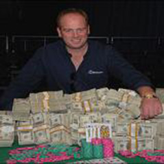 Marty Smyth to sell WSOP bracelet?