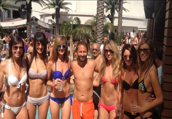 Negreanu Gets Down for his Birthday