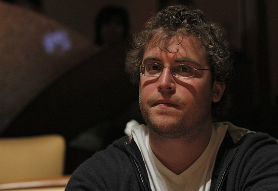 "Tom ""kingsofcards"" Marchese leads $10,000 PLHE"